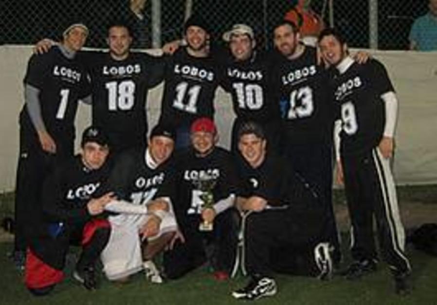 Members of the 2009/10 champion Lobos.