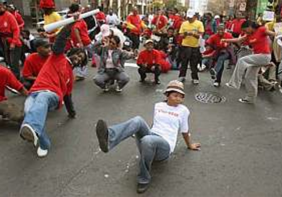 South African public sectors strike intensifies