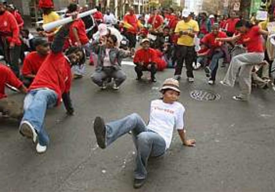 South African public sectors strike intensifies