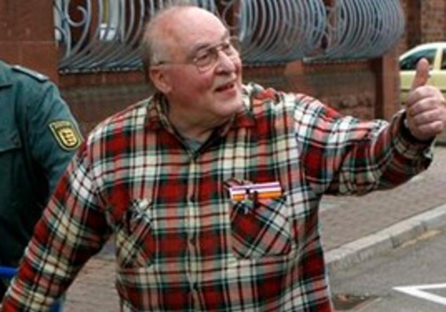 Far right activist Ernst Zuendel leaves prison in