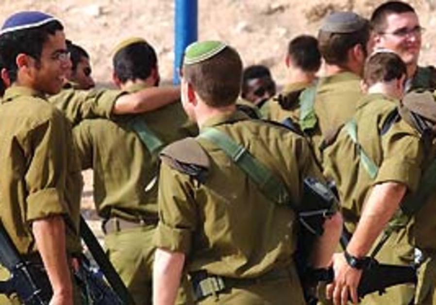 IDF troops (Ariel Jerozolimski).