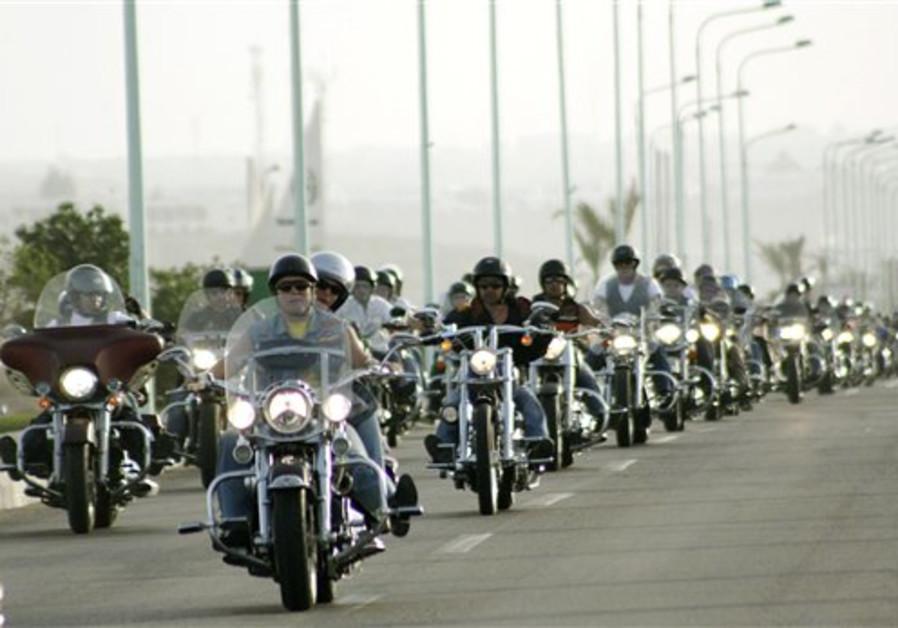 Hundreds of Harley Davidson motorcycle enthusiasts