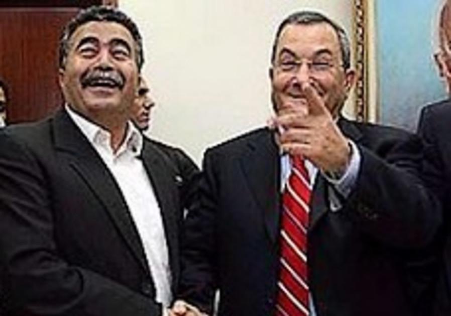 Peretz warns Barak of split in Labor