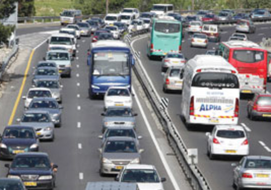 Traffic crawls in both directions on the Tel Aviv-