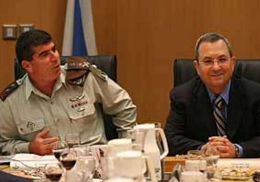 Barak slammed for reopening anti-Kassam debate