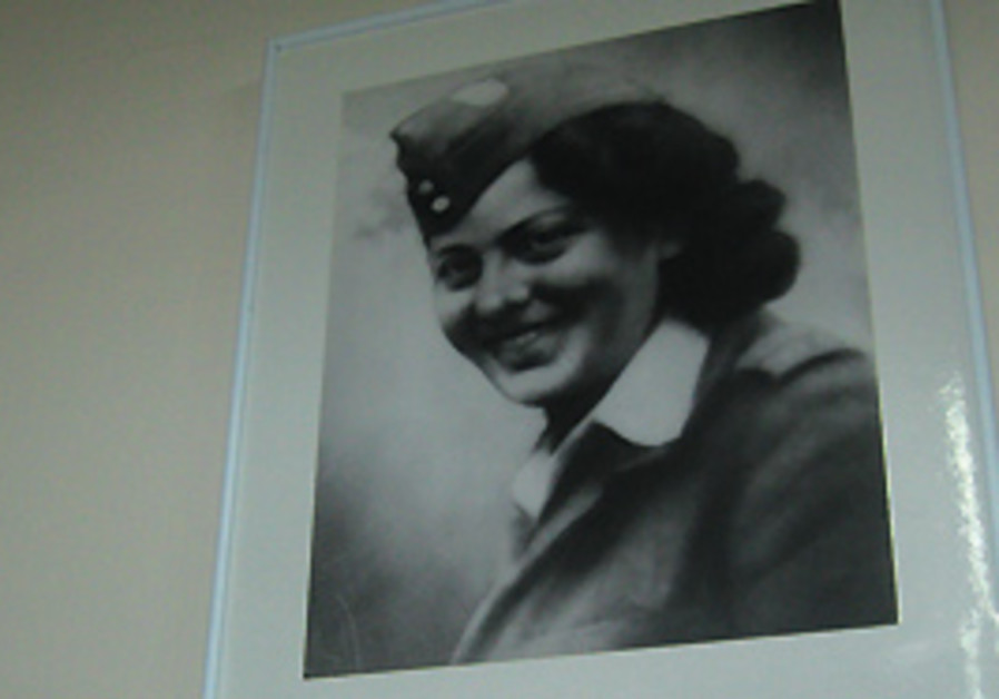 Hannah Szenes parachuted into Yugoslavia with a Pa