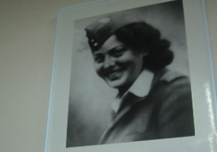 Hannah Szenes parachuted into Yugoslavia with a Pa
