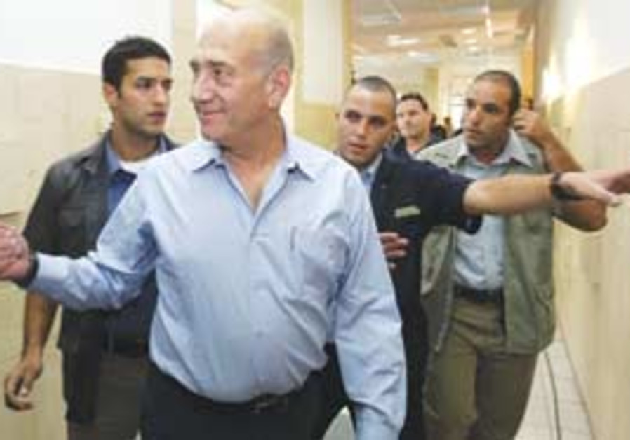 Olmert at court