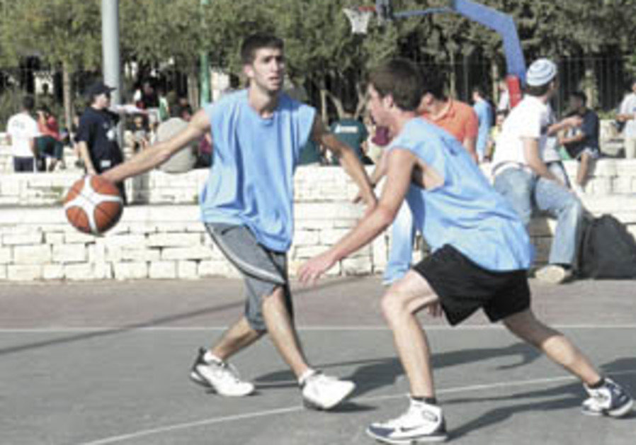 Streetball brings together Jewish and Arab teens