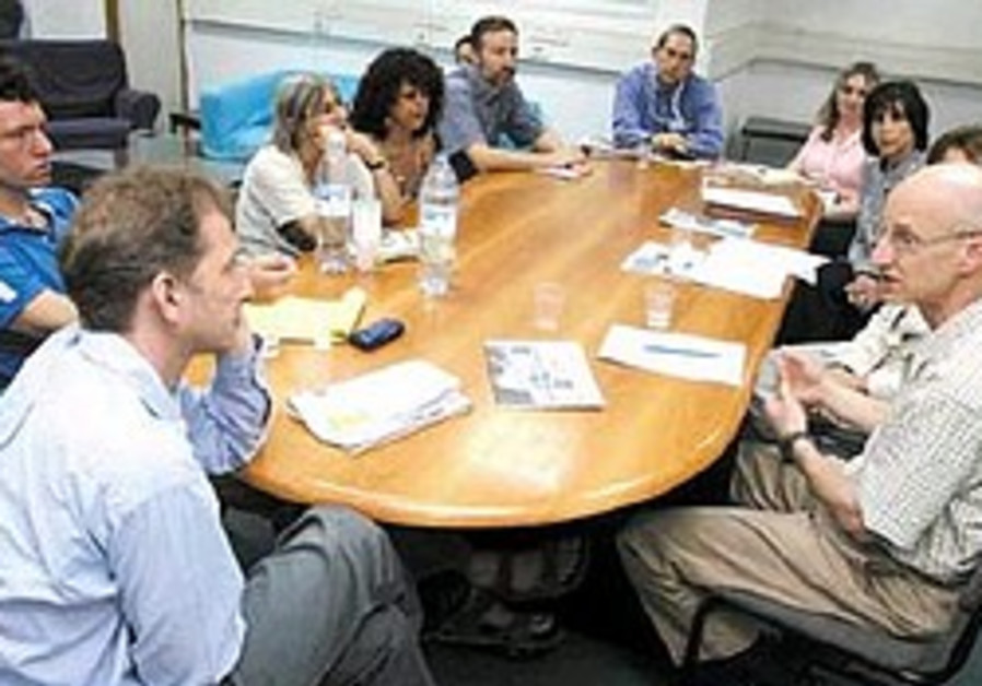 Analysis: Two imperfect models of Jewish conferencing