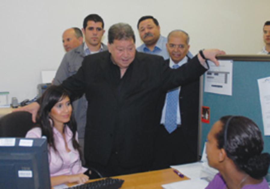 Binyamin Ben-Eliezer visits Afula