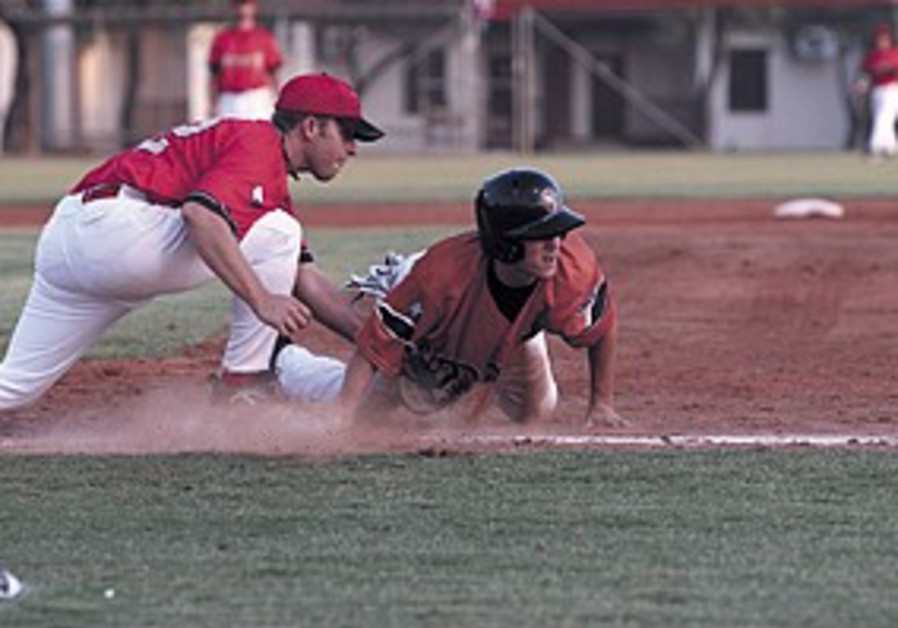 Baseball: Beit Shemesh stays undefeated, Petah Tikva loses third in a row