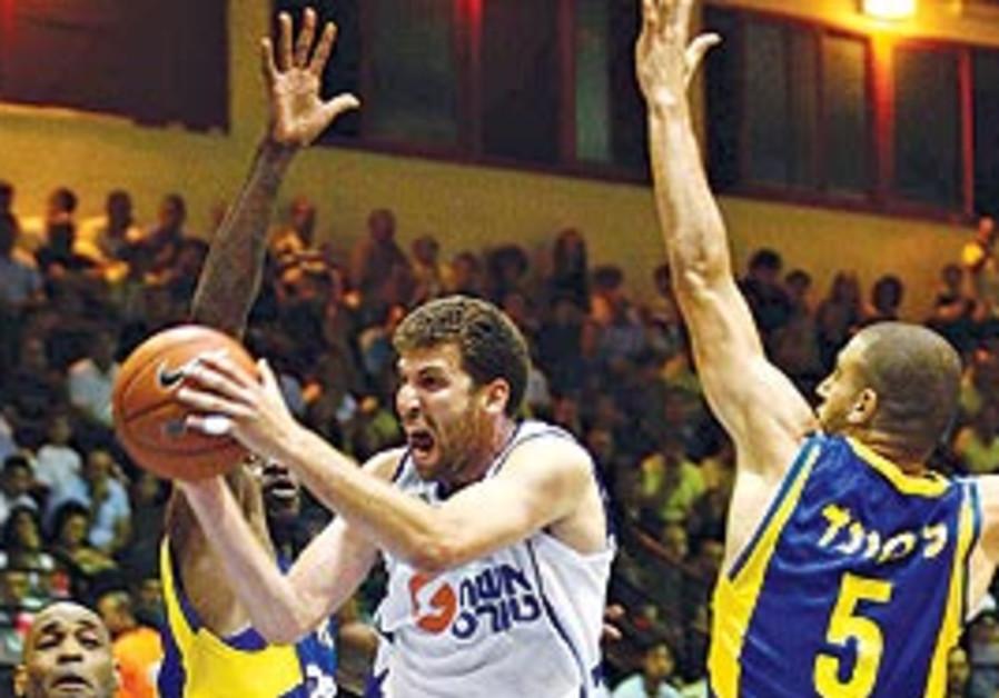 Bnei Hasharon Mac TA action.