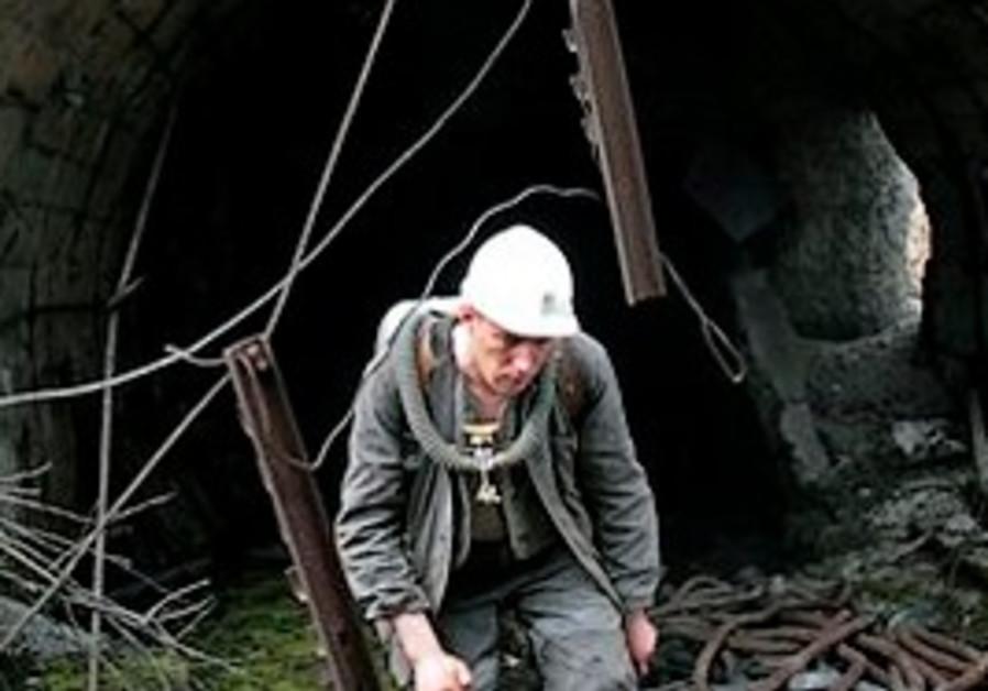 mine explosion russia