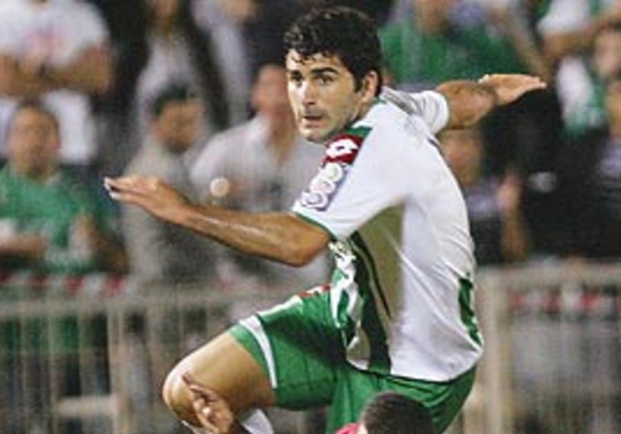 Maccabi Haifa striker Vladimir Dvalishvili leaps o