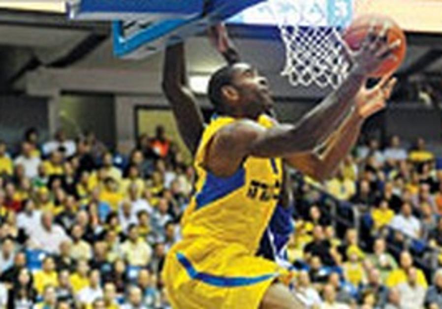 Maccabi Tel Aviv's Alan Anderson.