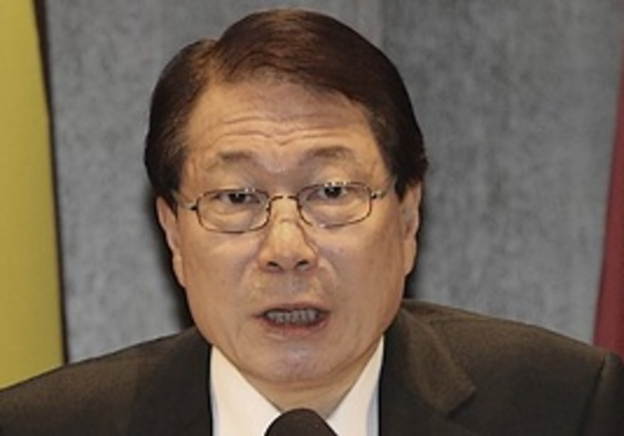 South Korean Foreign Minister Yu Myung-hwan.