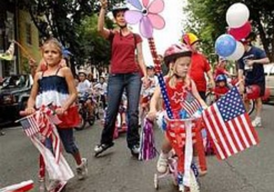 US celebrates Independence Day, welcomes new citizens