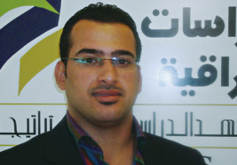 Mutanzer al-Zaidi became a hero in the Arab world