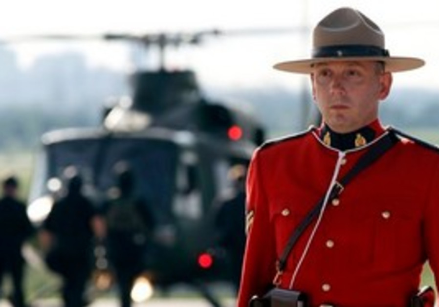 Canadian mounty stands guard as leaders meet