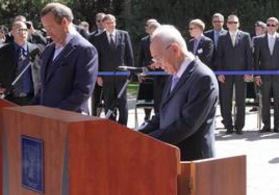 President Shimon Peres with Estonian president Tho