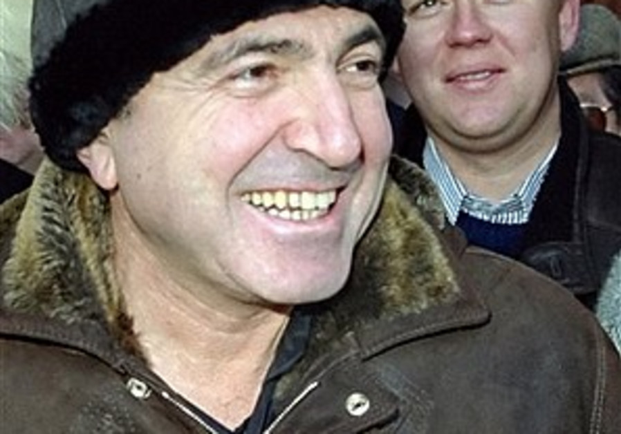 Exiled Russian tycoon claims UK foiled plot to kill him