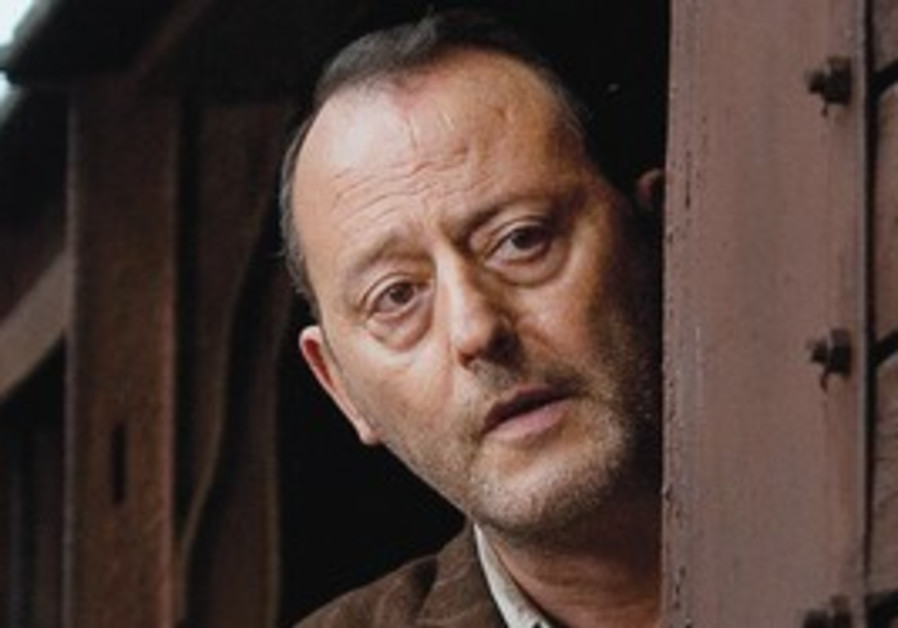 Jean Reno plays a Jewish doctor whose fate remains unknown.