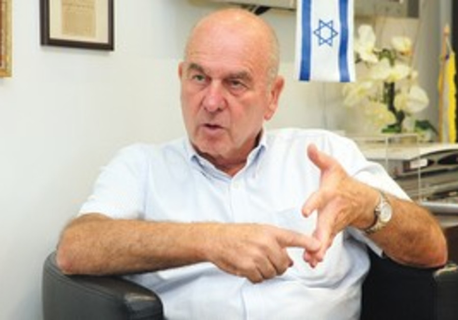 Deputy defense minister Matan Vilnai.