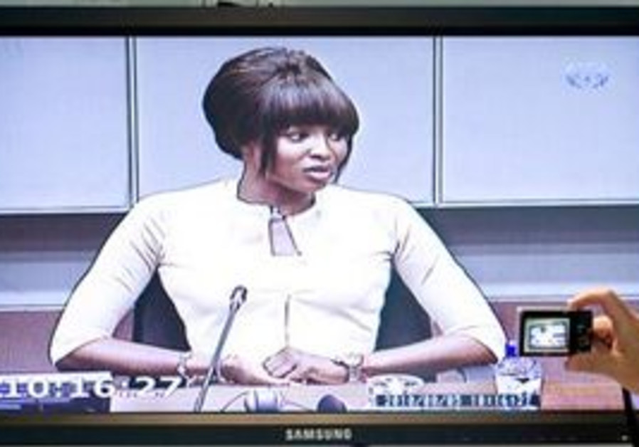 Naomi Campbell testifies at The Hague at the trial of Liberian leader Charles Taylor