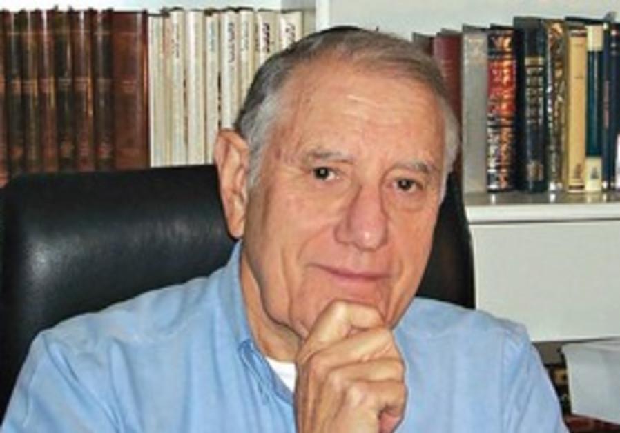 D. Bernhard Hoenig
