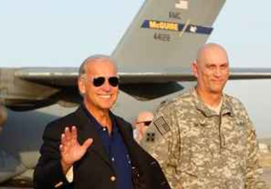 US VP Joe Biden and Gen. Ray Odierno in Baghdad.