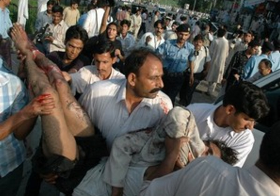 Pakistan army nabs gunmen who attacked police