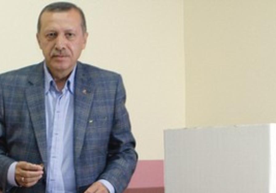 Turkish Prime Minister Recep Tayyip Erdogan voting