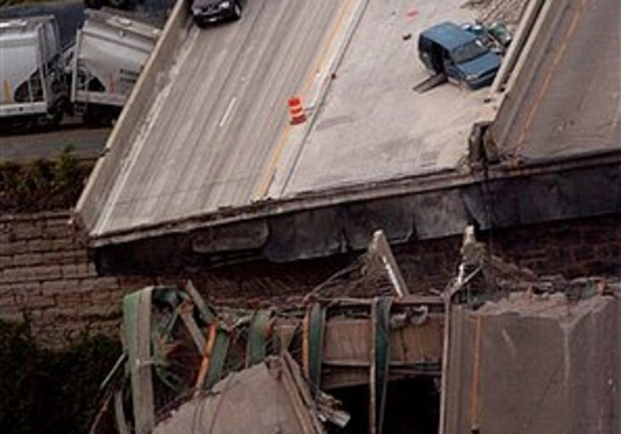 bridge collapse 298.88