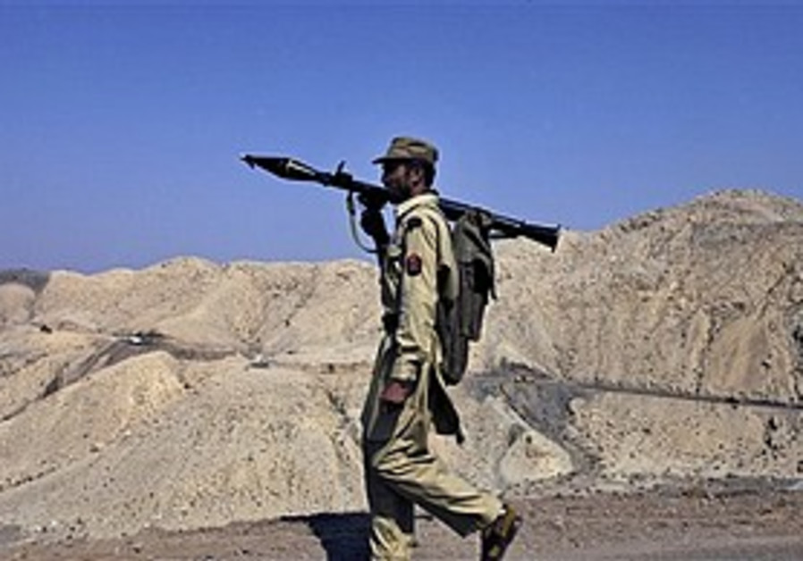 Pakistan paramilitary soldier near S. Waziristan.