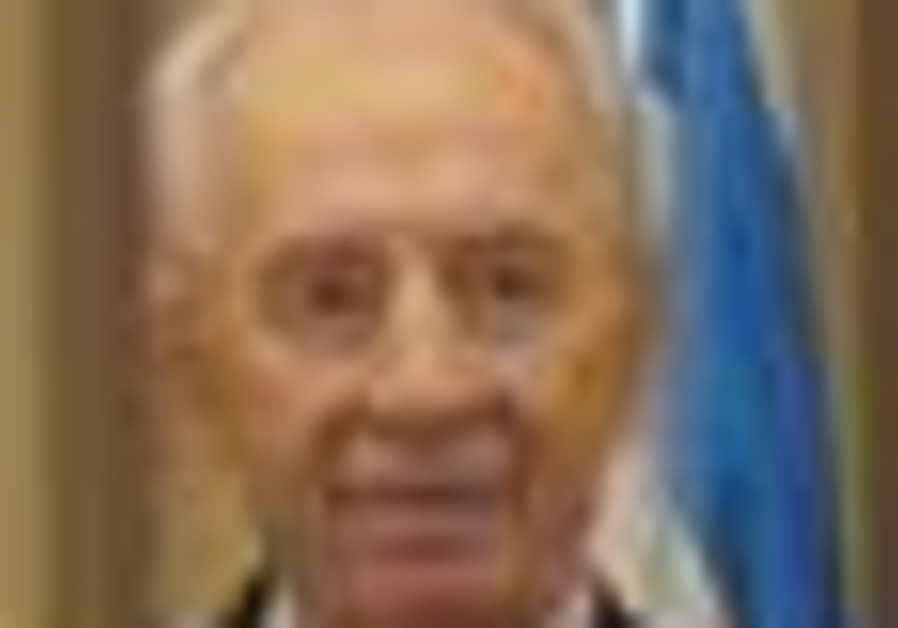 Shimon Peres kicks off Senior Citizens month