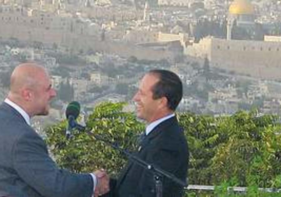 Robert Seams with Nir Barkat