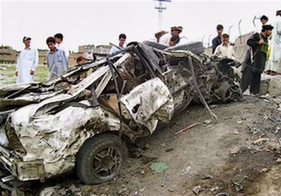 Suicide attack, roadside bomb kill 6 soldiers in Pakistan