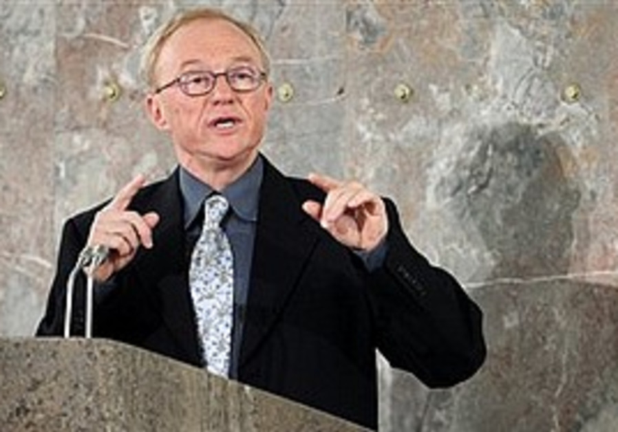 David Grossman accepts his peace prize, Sunday