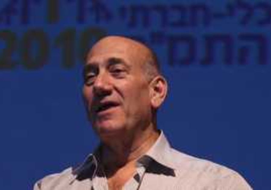 Ehud Olmert makes speech