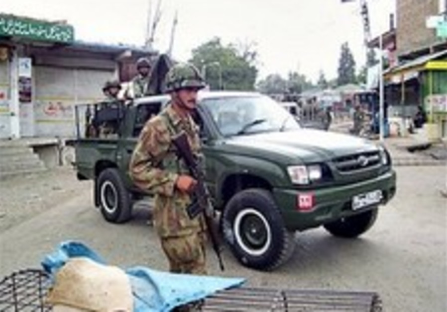 Pakistan army bombards militant hide-outs near Afghan border