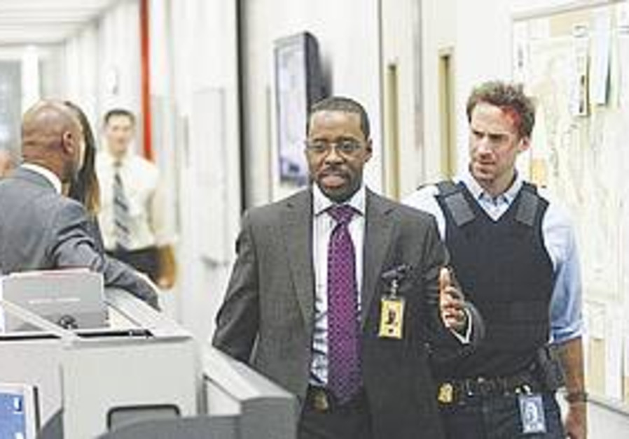 Joseph Fiennes in 'FlashForward'