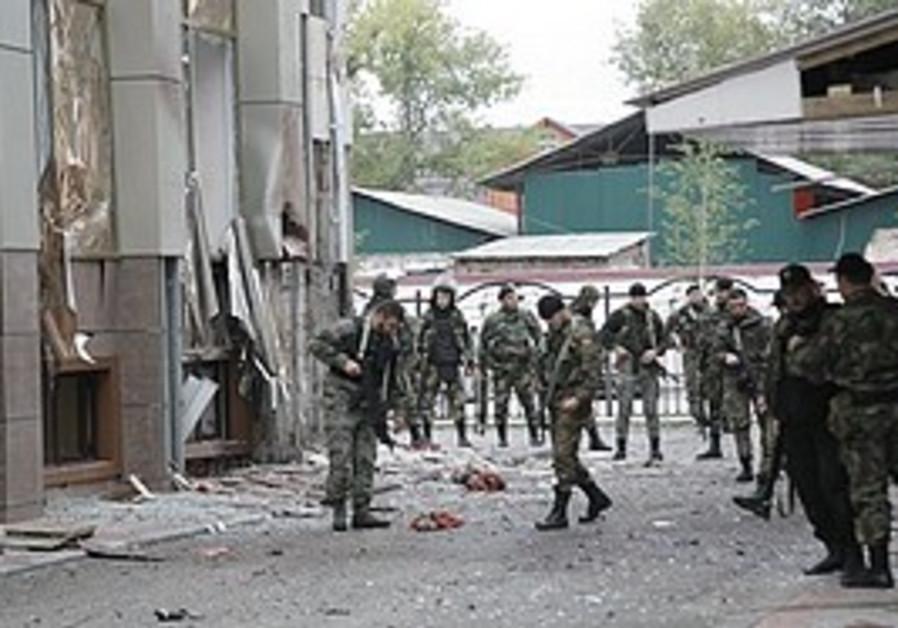 Police near the Chechen parliament complex