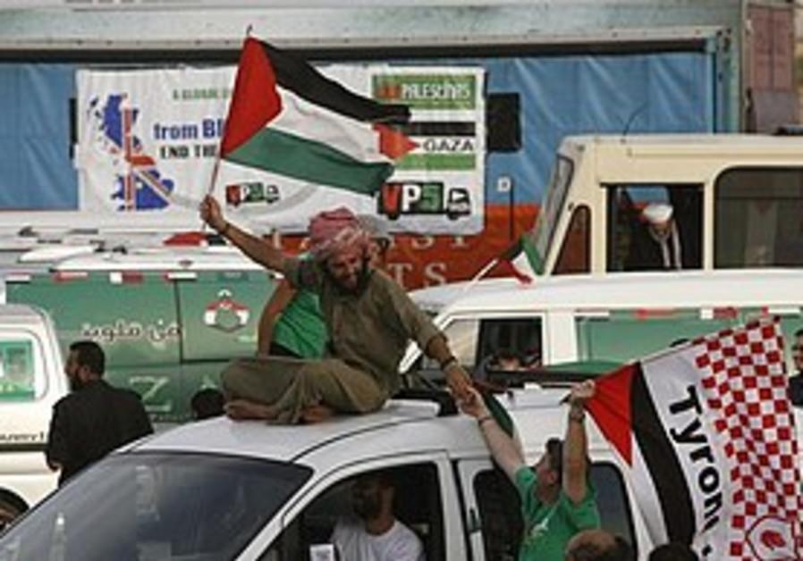 Palestinians welcome Viva Palestina convoy in Gaza