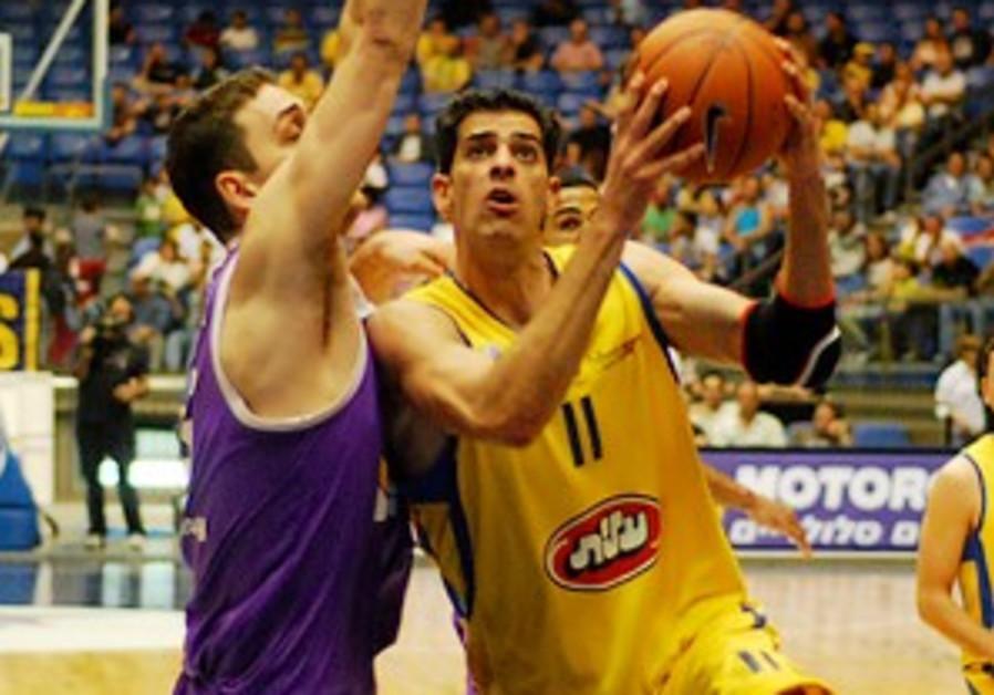 Basketball: Sasson leaves Mac TA for rival Hap J'lem