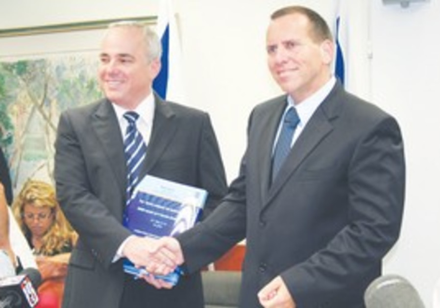 FINANCE MINISTER Yuval Steinitz (left) and Wage Di