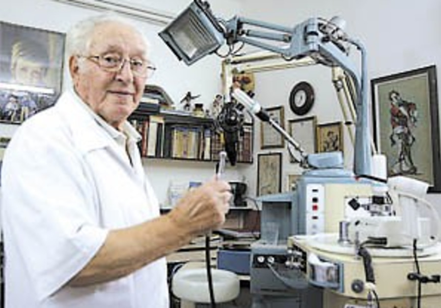 Jerusalem dentist, aged 97, may be oldest in the world