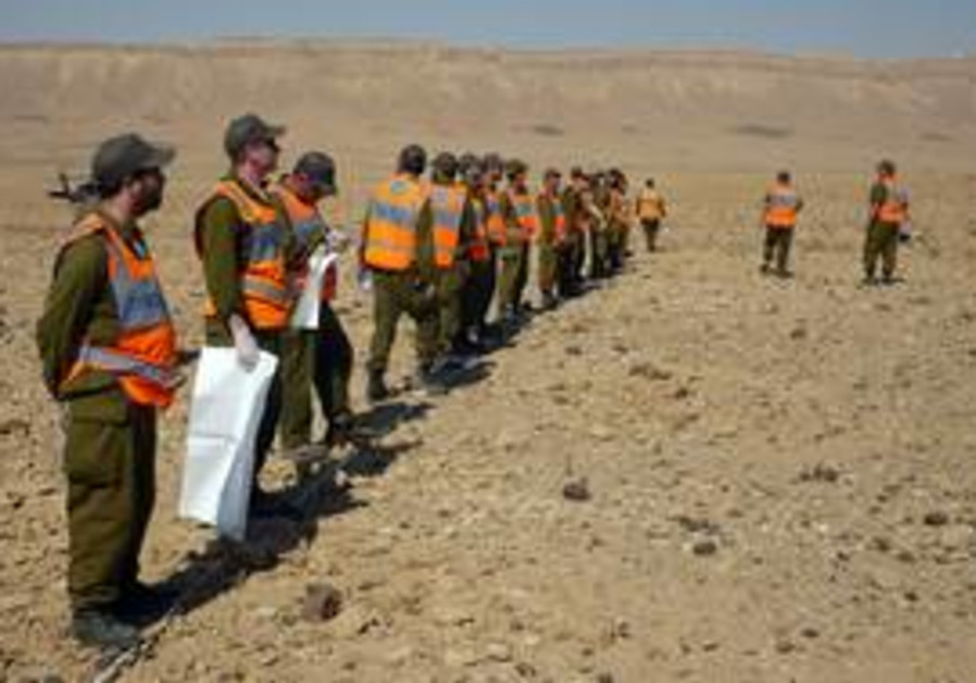 Search and rescue teams and IDF rabbis at Negev je