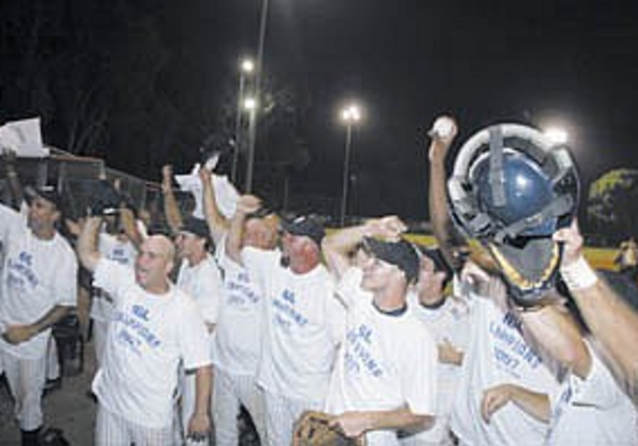 IBL: Players, coaches look back on inaugural season