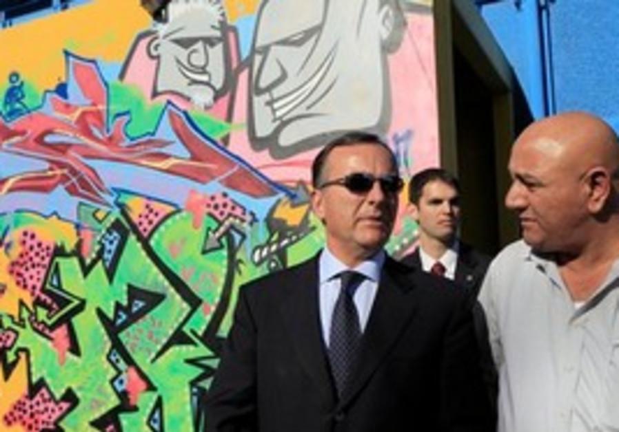 Italian FM Franco Frattini in Sderot